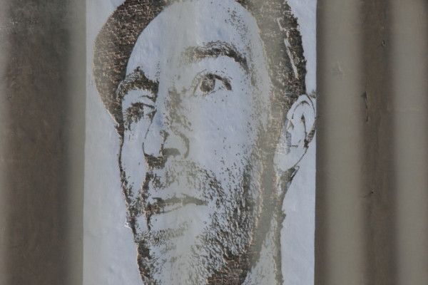 rp_vhils-go-forth-joe-hatchiban-through-fence-683x1024.jpg