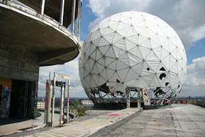 A sphere on the roof at Teufelsberg