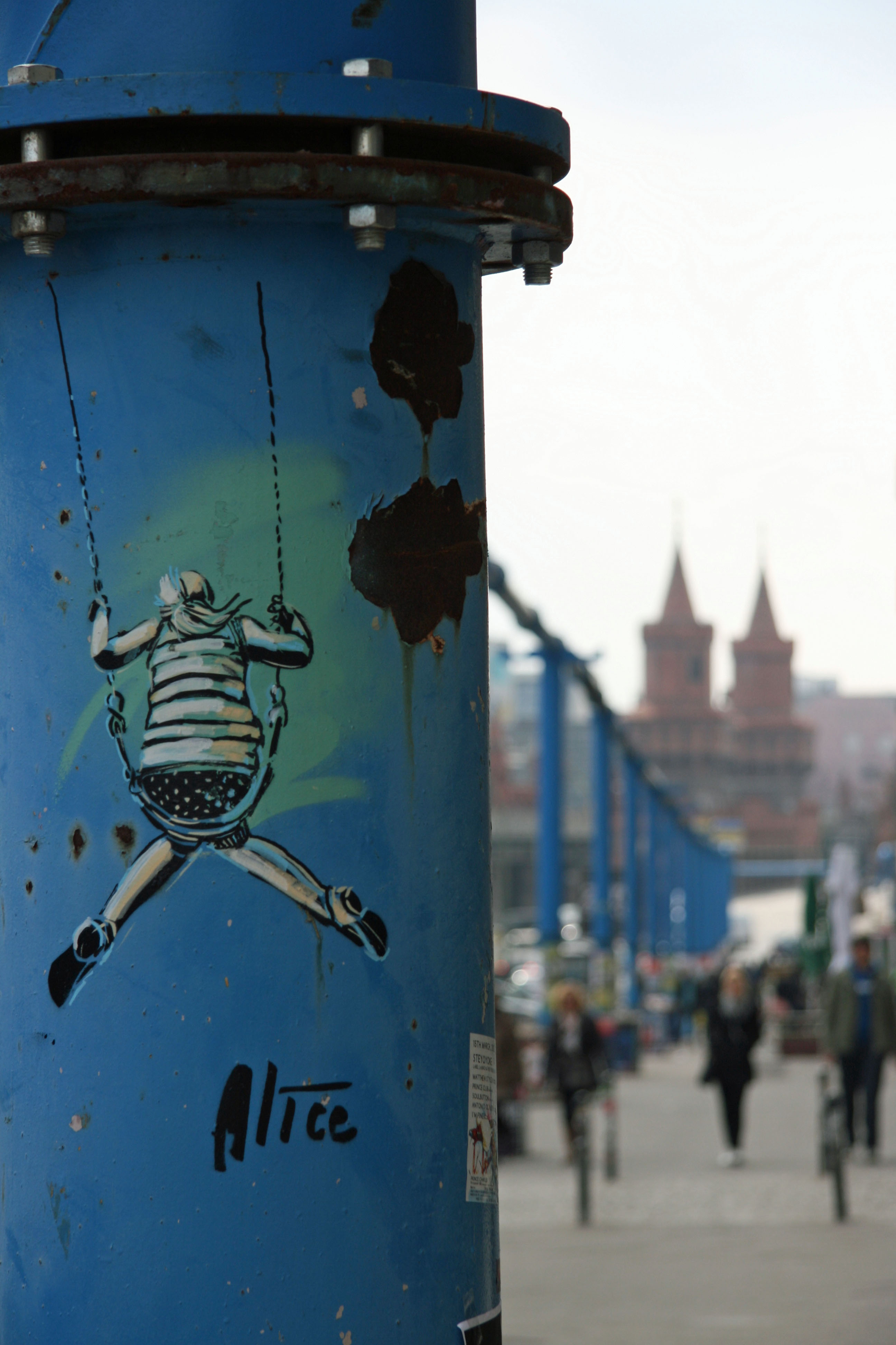 Girl on a Swing Too: Street Art by AliCé (Alice Pasquini) in Berlin