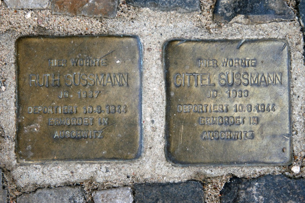 Stolpersteine 12: In memory of Ruth Sussmann and Gittel Sussmann (Christinenstrasse 35) in Berlin