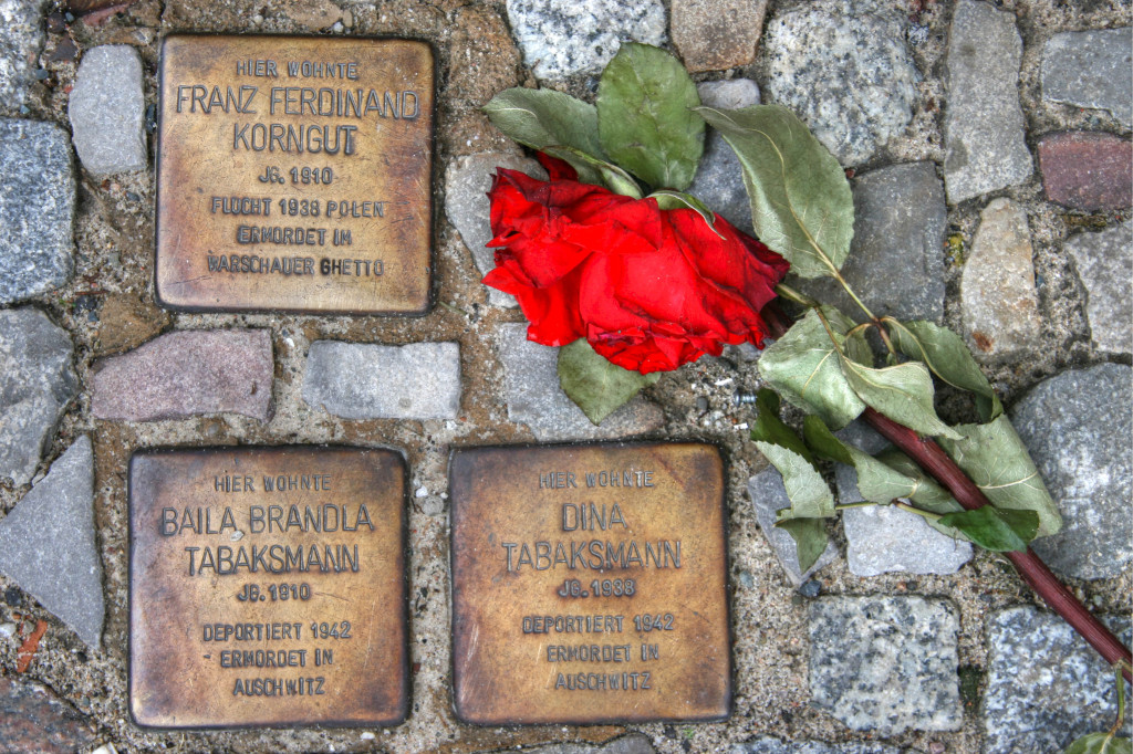 Stolpersteine 13: In memory of Franz Ferdinand Korngut, Baila Brandla Tabaksmann, Dina Tabaksmann (1 Choriner Strasse) in Berlin