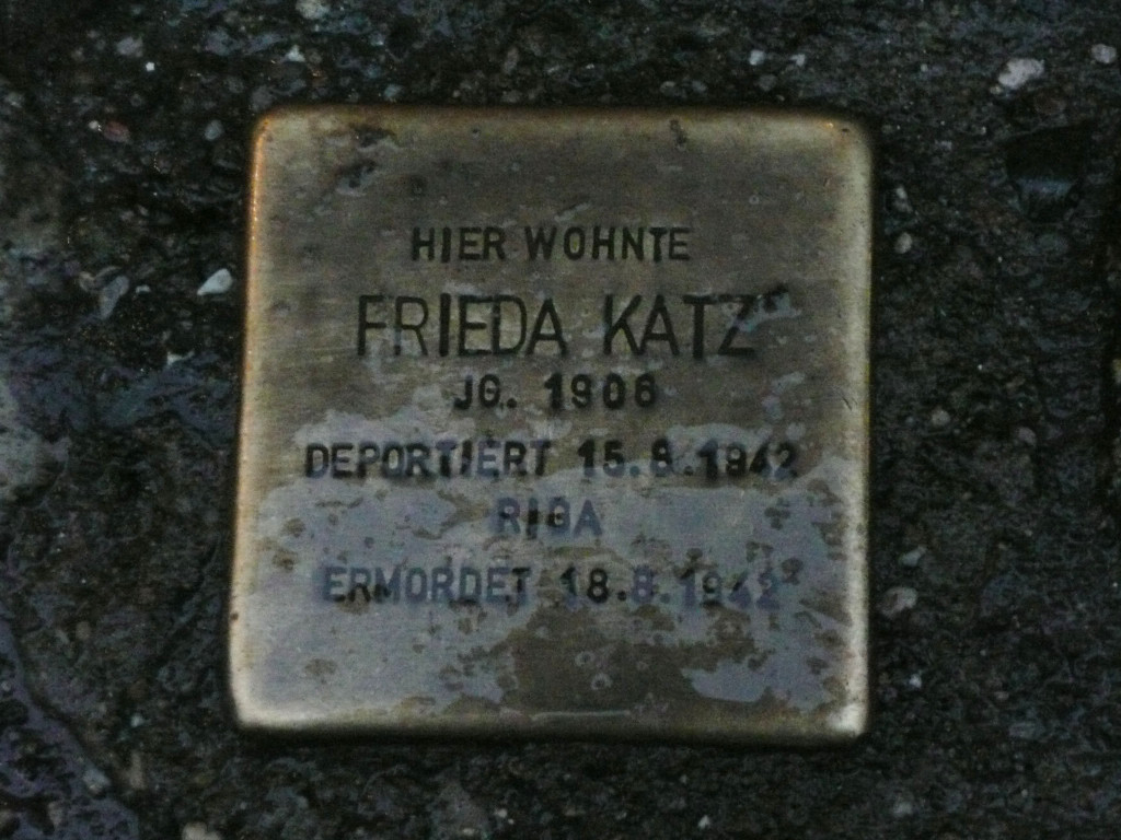 Stolpersteine 3: In memory of Frieda Katz (Kastanienallee 74) in Berlin