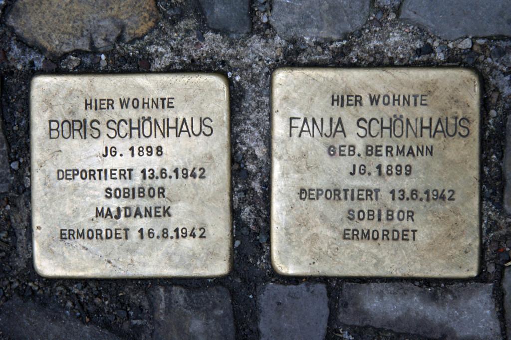 Stolpersteine 38: In memory of Boris Schönhaus, Fanja Schönhaus (Sophienstrasse 32) in Berlin