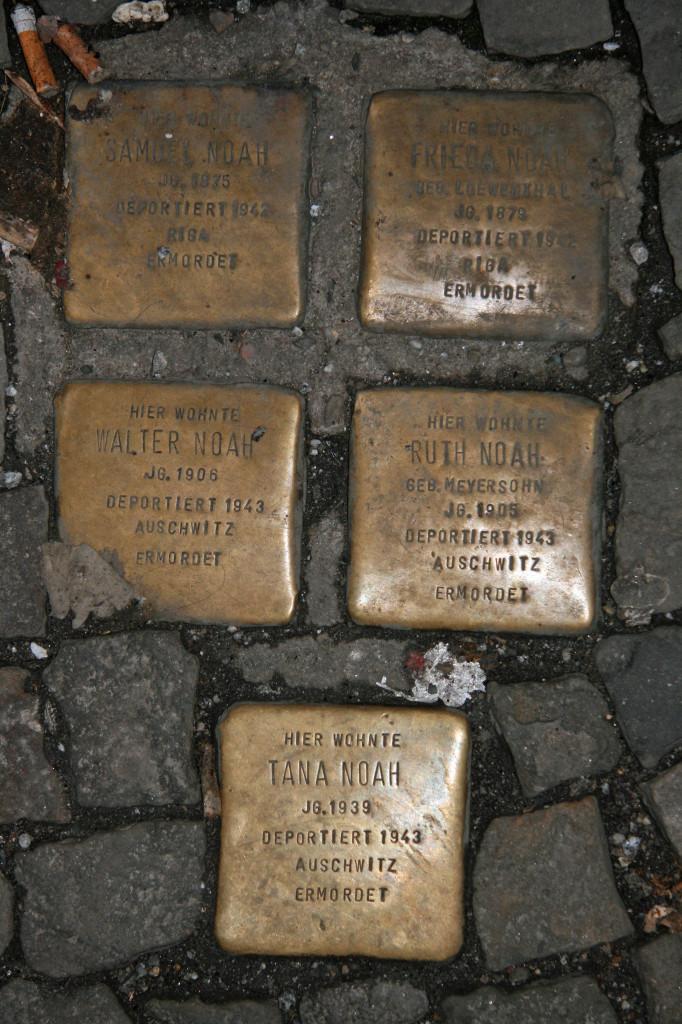 Stolpersteine 39: In memory of Samuel Noah, Frieda Noah, Walter Noah, Ruth Noah and Tana Noah (Rosenthaler Strasse) in Berlin