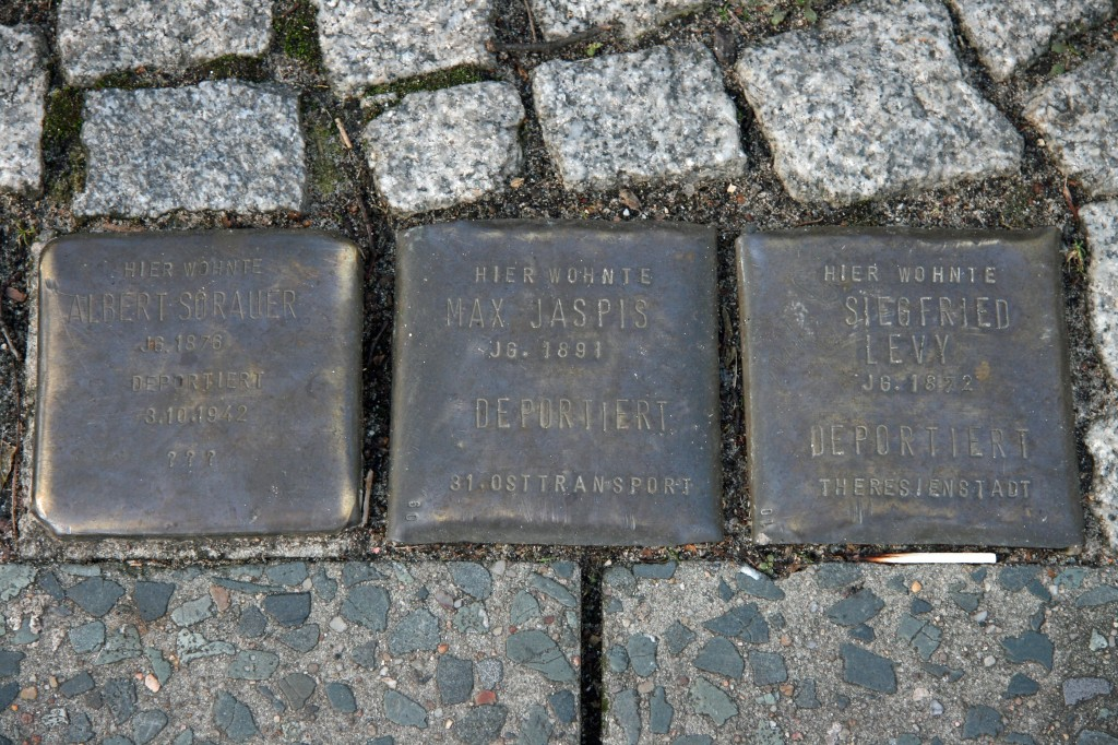 Stolpersteine 4 (6): In memory of Albert Sorauer, Max Jaspis and Siegfried Levy (corner of Skalitzer Strasse and Oranienstrasse) in Berlin