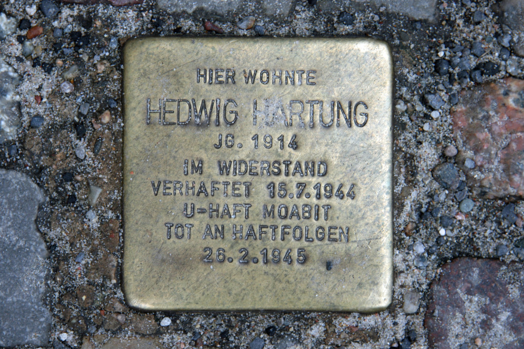 Stolpersteine 44: In memory of Hedwig Hartung (Kastanianallee 29) in Berlin