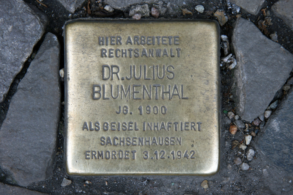 Stolpersteine 49: In memory of Dr Julius Blumnethal (Oranienburger Strasse 1) in Berlin