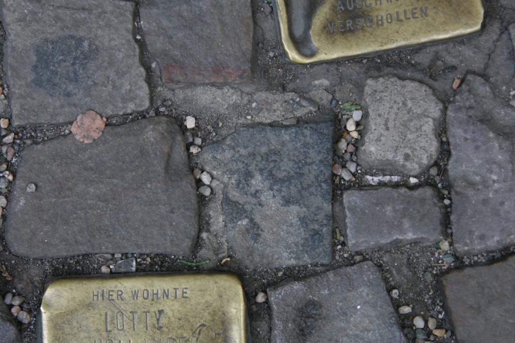 Stolpersteine 50: In memory of Gottfried Hollander and Lotty Hollander (Oranienburger Strasse 1-3) in Berlin