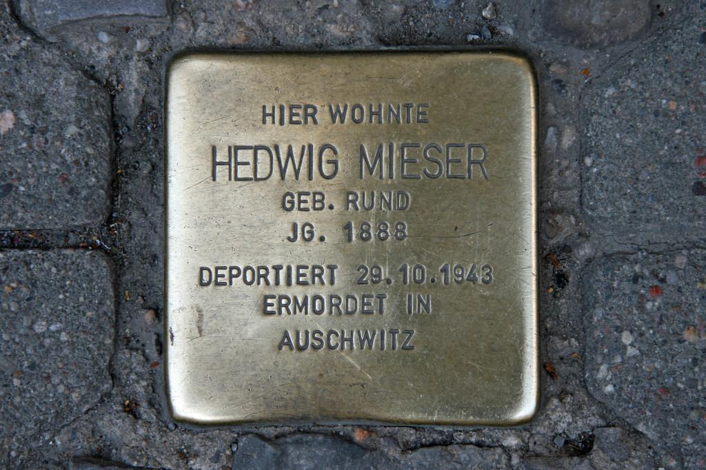 Stolpersteine 56: In memory of Hedwig Mieser (Münzstrasse 22) in Berlin