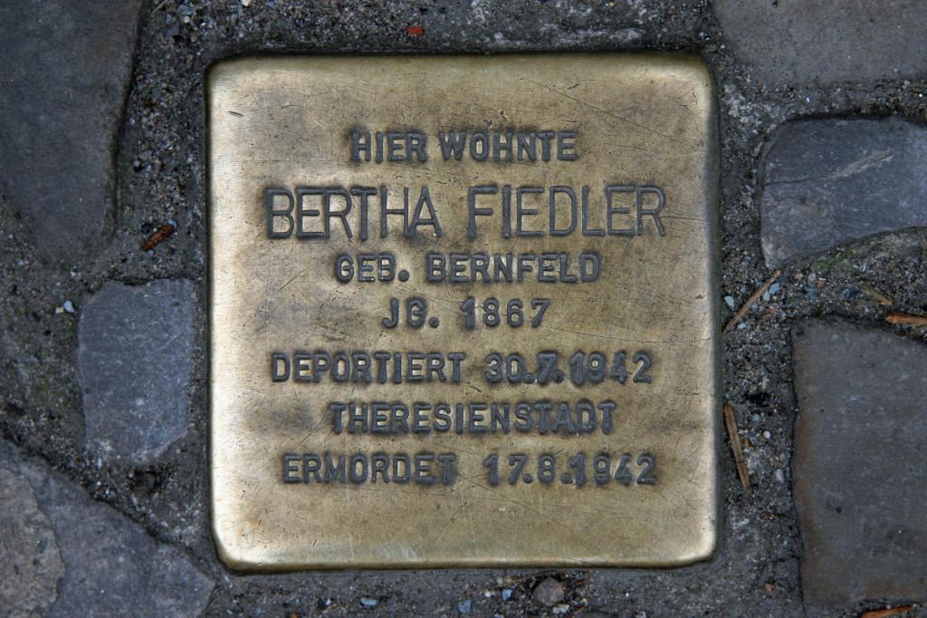Stolpersteine 58: In memory of Bertha Fiedler (Kantstrasse 148) in Berlin