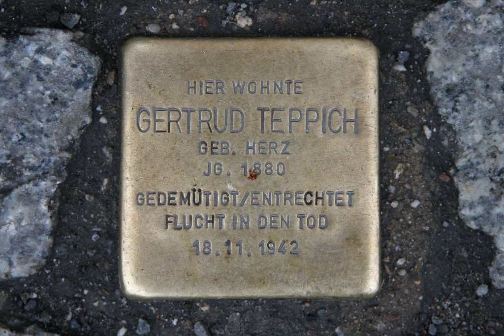 Stolpersteine 59: In memory of Gertrud Teppich (Luisenstrasse 54/55) in Berlin