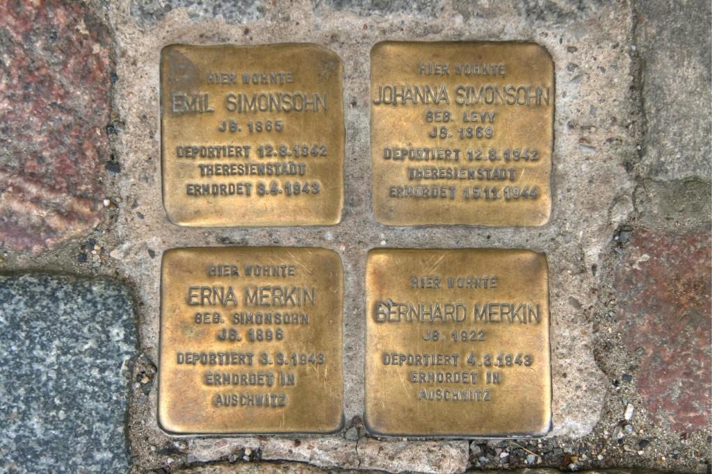 Stolpersteine 63: In memory of Emil Simonsohn, Johanna Simonsohn, Erna Merkin and Bernhard Merkin (Templiner Strasse 17) in Berlin