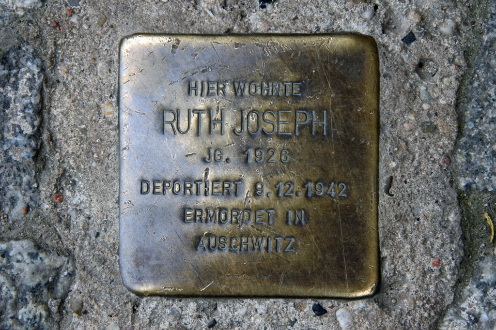 Stolpersteine 64: In memory of Ruth Joseph (Metzer Strasse 30) in Berlin
