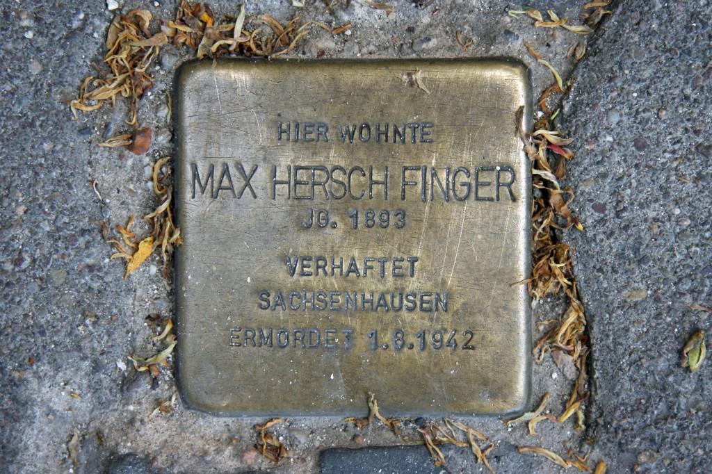 Stolpersteine 66: In memory of Max Hersch Finger (Torstrasse 75) in Berlin