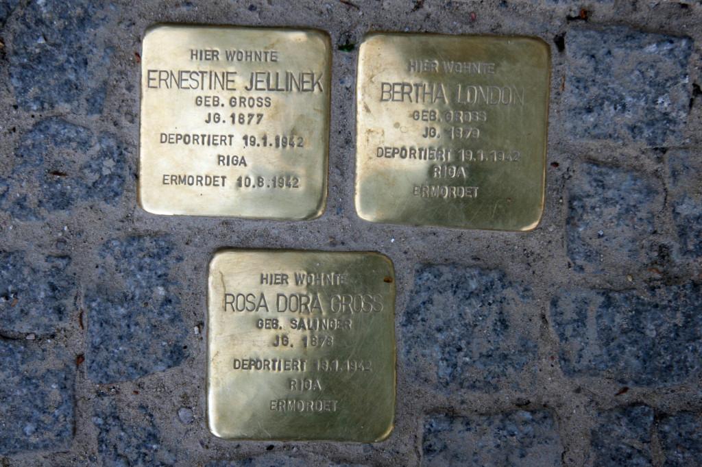 Stolpersteine 72: In memory of Ernestine Jellinek, Bertha London and Rosa Dora Gross (Schönhauser Allee 174) in Berlin