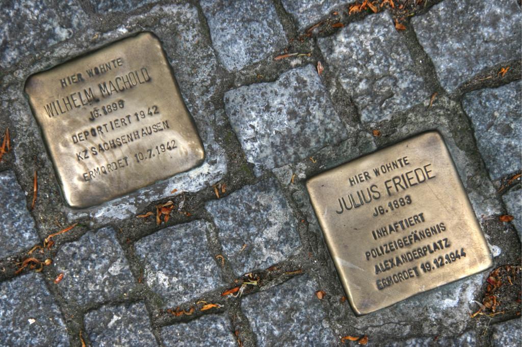 Stolpersteine 74: In memory of Wilhelm Machold and Julius Friede (Mehringdamm 88) in Berlin