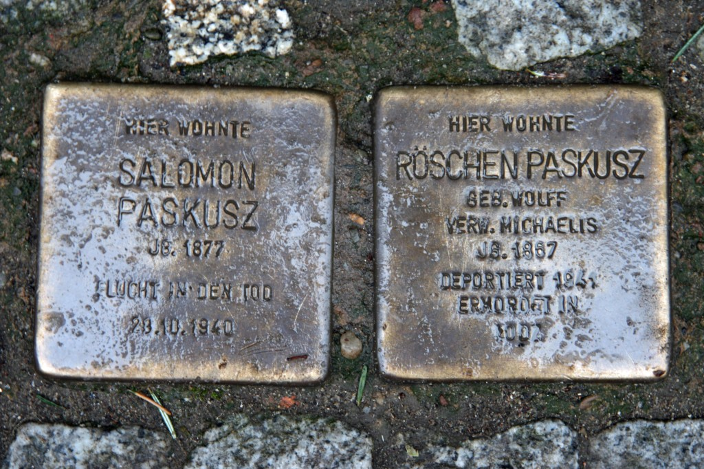 Stolpersteine 8: In memory of Salomon Paskusz and Roschen Paskusz (Erich-Weinert-Strasse 17) in Berlin
