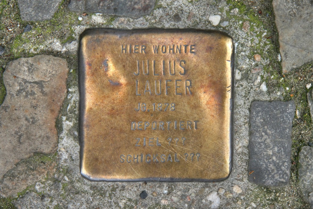 Stolpersteine 86: In memory of Julius Laufer (Muskauer Strasse 48) in Berlin
