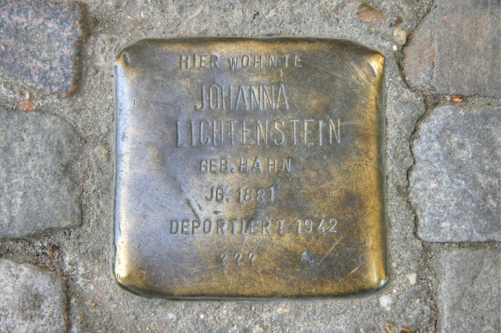 Stolpersteine 90: In memory of Johanna Lichtenstein (Samariterstrasse 29) in Berlin