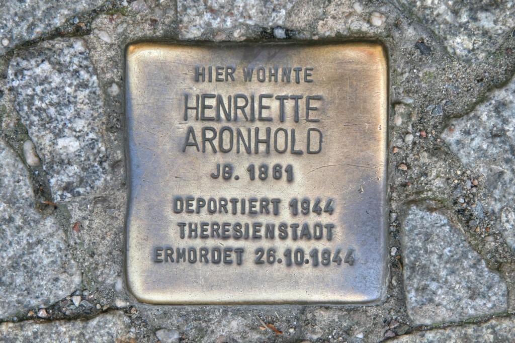 Stolpersteine 93: In memory of Henriette Aronhold (Tucholskystrasse 38) in Berlin