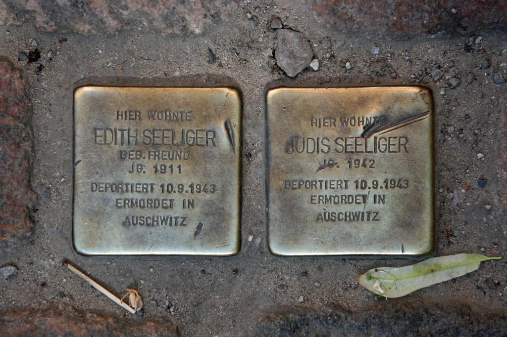 Stolpersteine 94: In memory of Edith Seeliger and Judis Seeliger (Koppenplatz 20) in Berlin