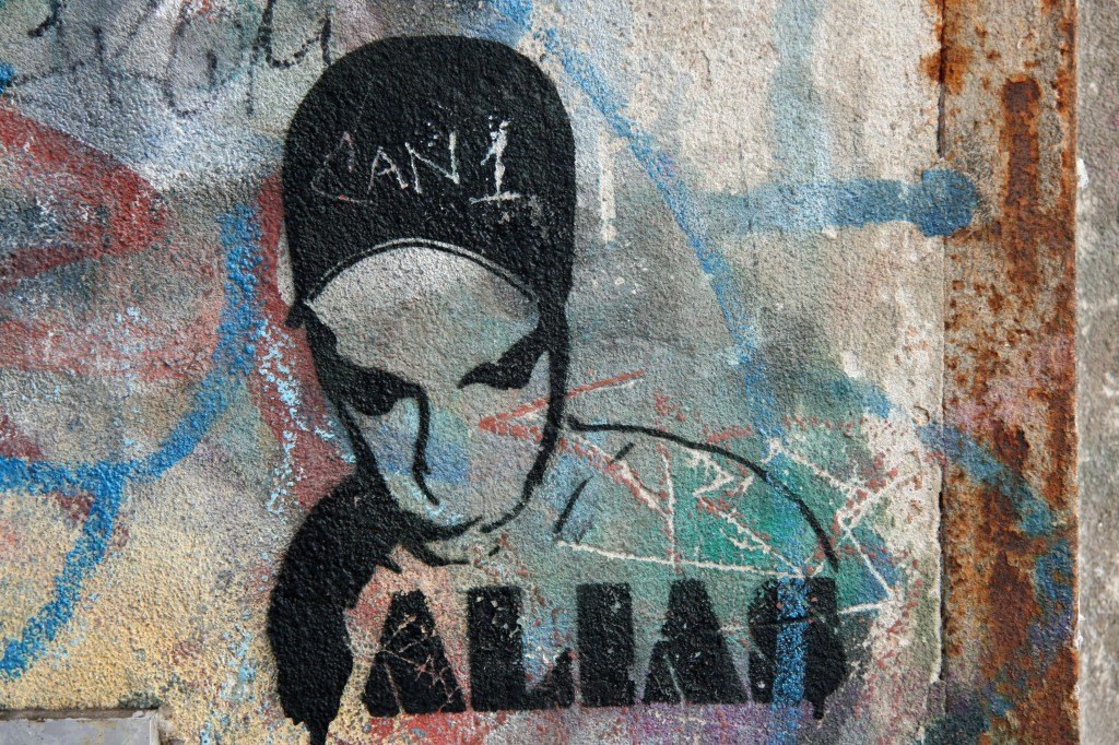 Black Hat: Street Art by ALIAS in Berlin