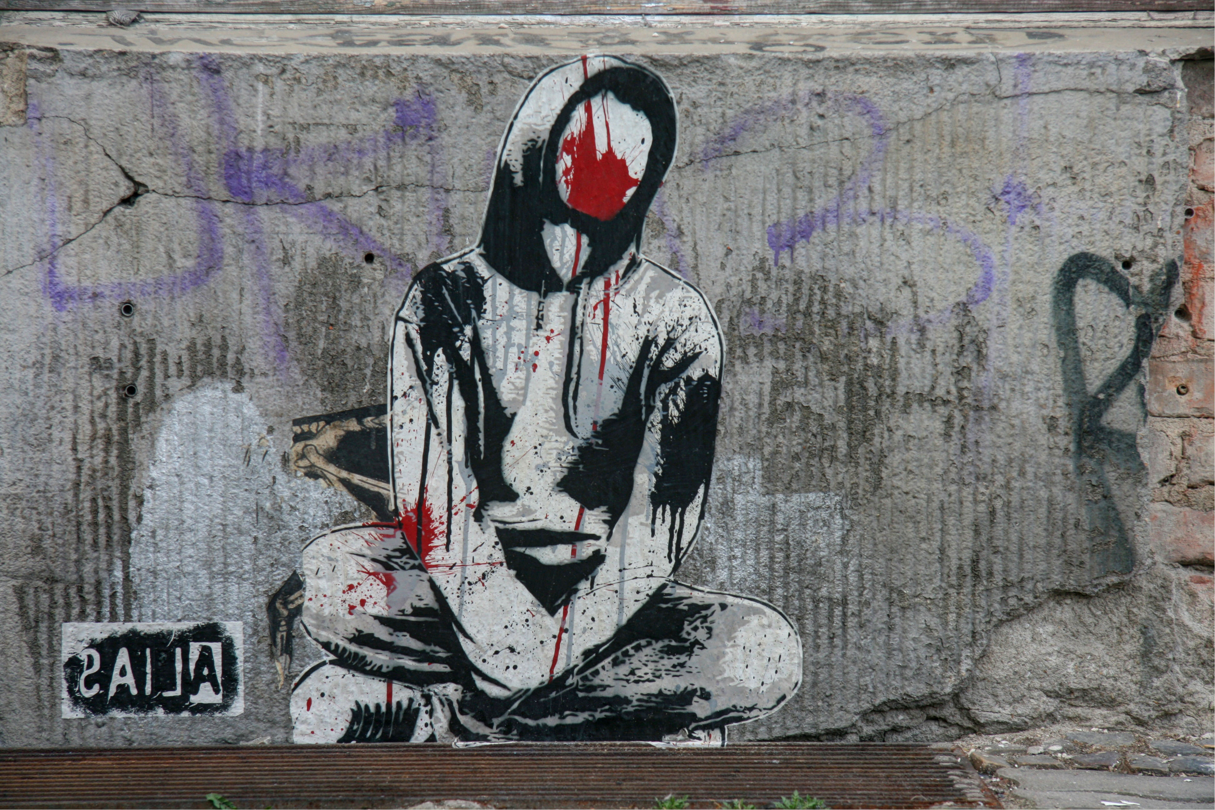 Faceless: Street Art by ALIAS in Berlin