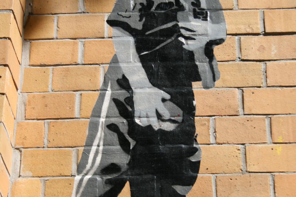 Girl With A Heart In Her Eye: Street Art by ALIAS in Berlin