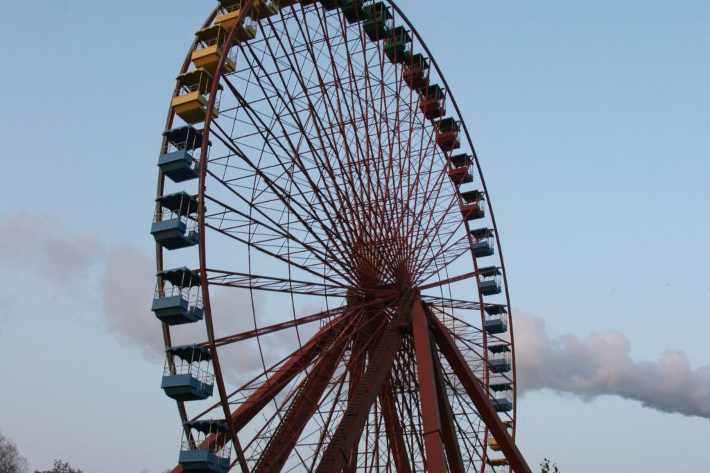 Cloud Crosses the Ferris Wheel (Riesenrad) at Spreepark Plänterwald, an abandoned Theme Park in Berlin