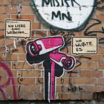 """Kalle und Bernd """"Ich liebe eine Webcam"""" """"Ich wuste es"""": Street Art by El Bocho in Berlin"""