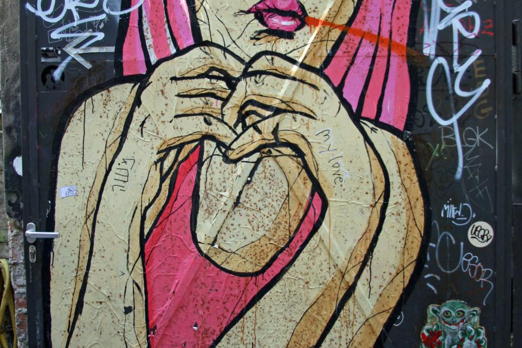 Pretty in Pink: Street Art by El Bocho in Berlin