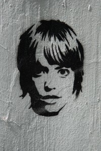 Girl: Street Art by Unknown Artist in Berlin