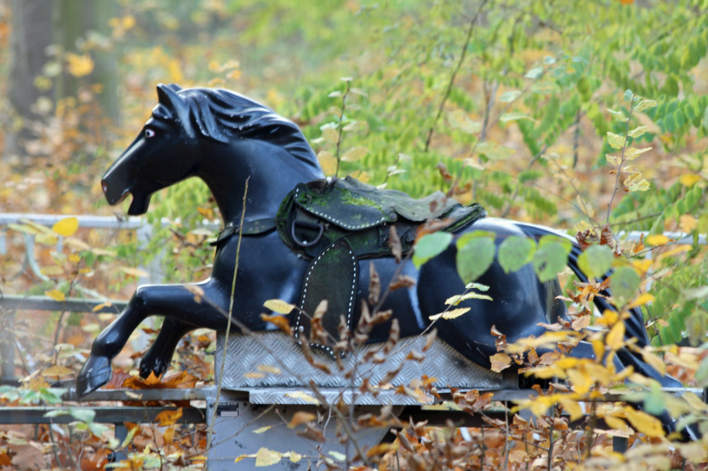 The Kentucky Ride, a Horse ride at Spreepark Plänterwald, an abandoned Theme Park in Berlin