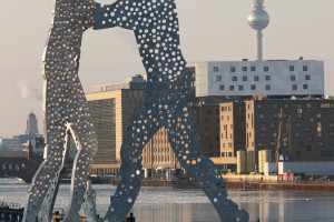 A Cold Day on the Spree – Molecule Man in Winter
