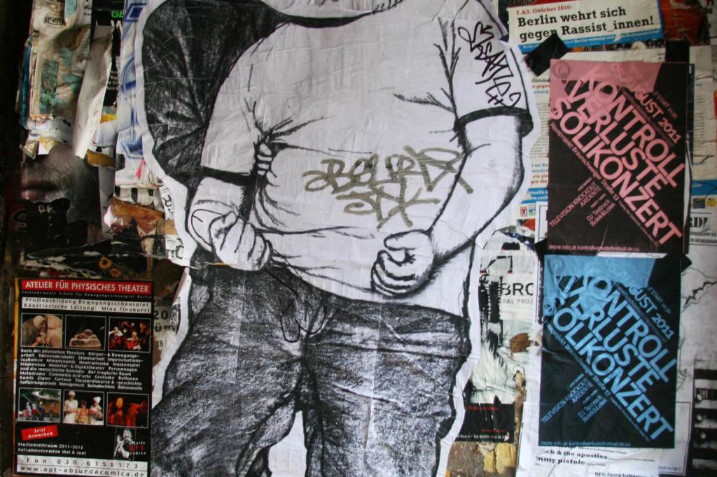 Naughty Bear: Street Art by Unknown Artist in Berlin