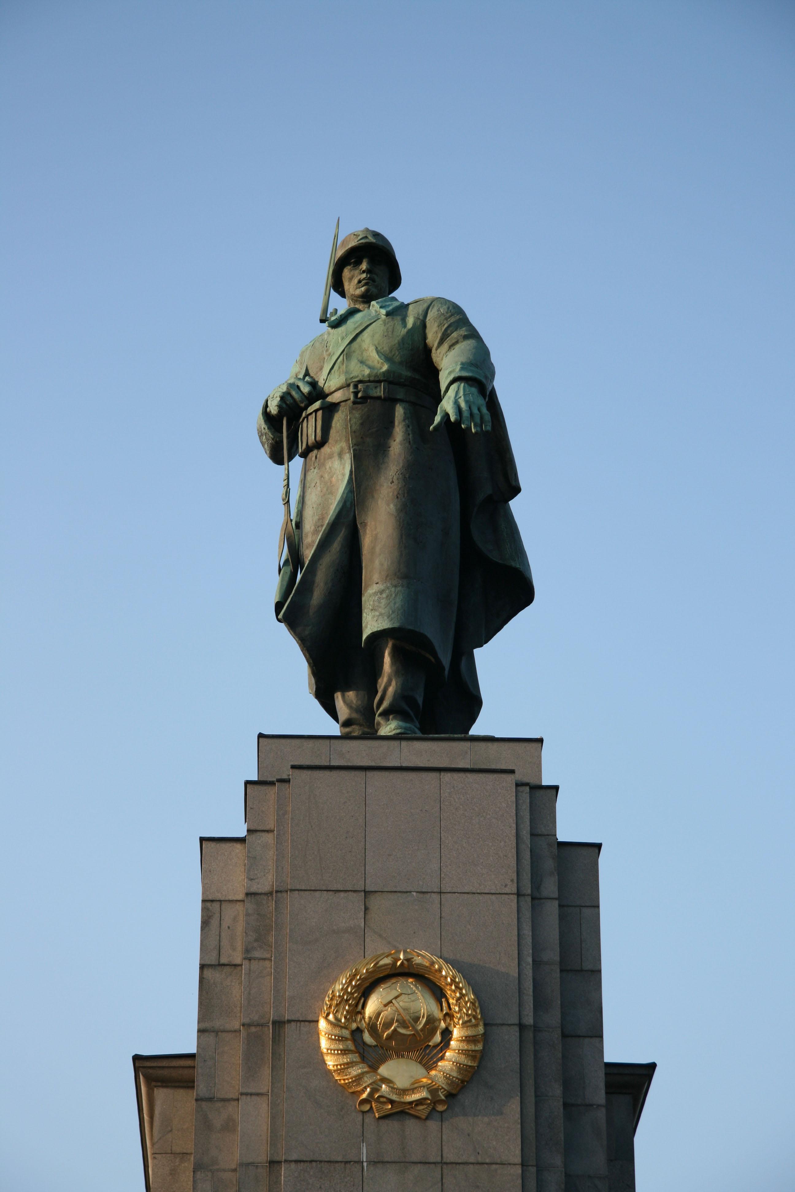 The soldier on the Soviet War Memorial on Strasse des 17 Juni in the Tiergarten in Berlin