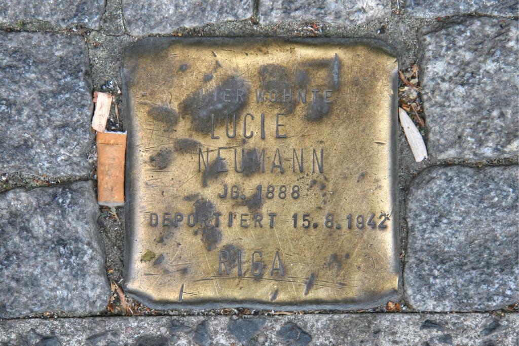 Stolpersteine 101: In memory of Lucie Neuman (Dresdener Strasse 20) in Berlin