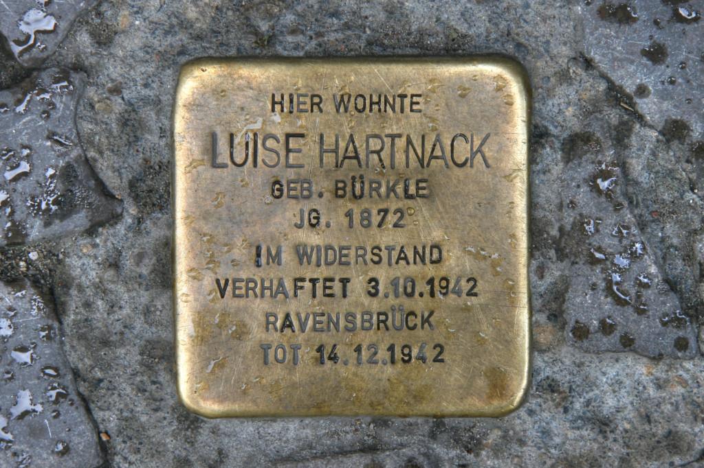 Stolpersteine 104: In memory of Luise Hartnack (Lenaustrasse 6) in Berlin