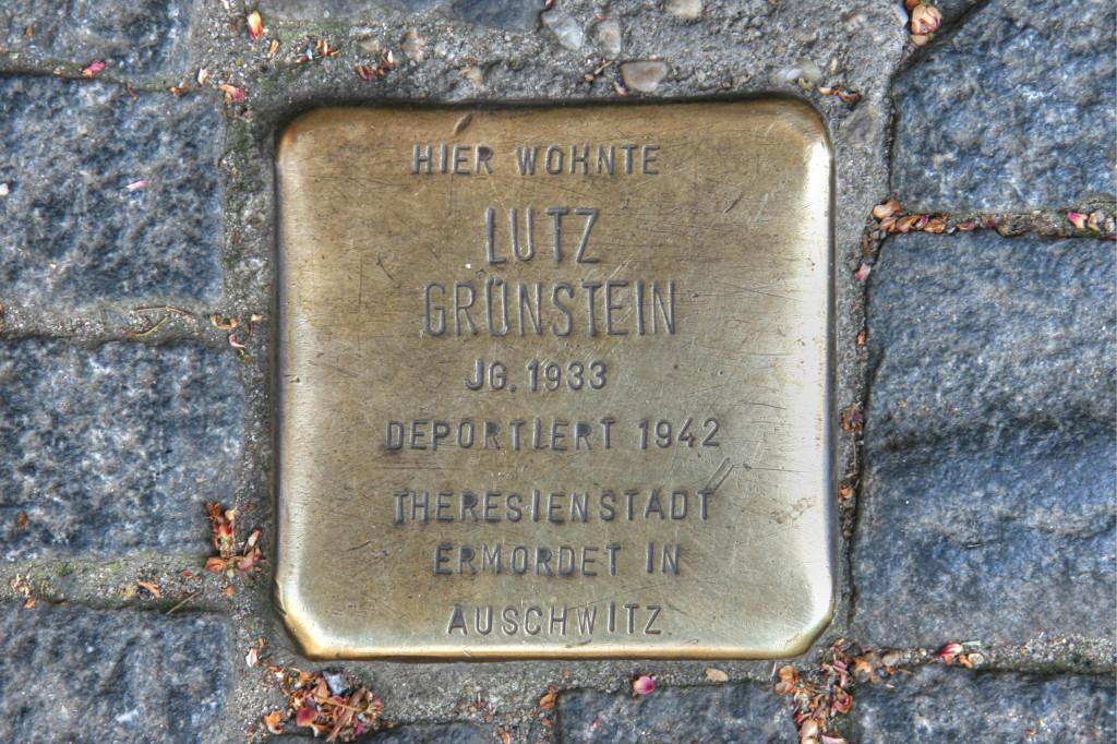 Stolpersteine 97: In memory of Lutz Grunstein (Graeferstrasse 69/70) in Berlin
