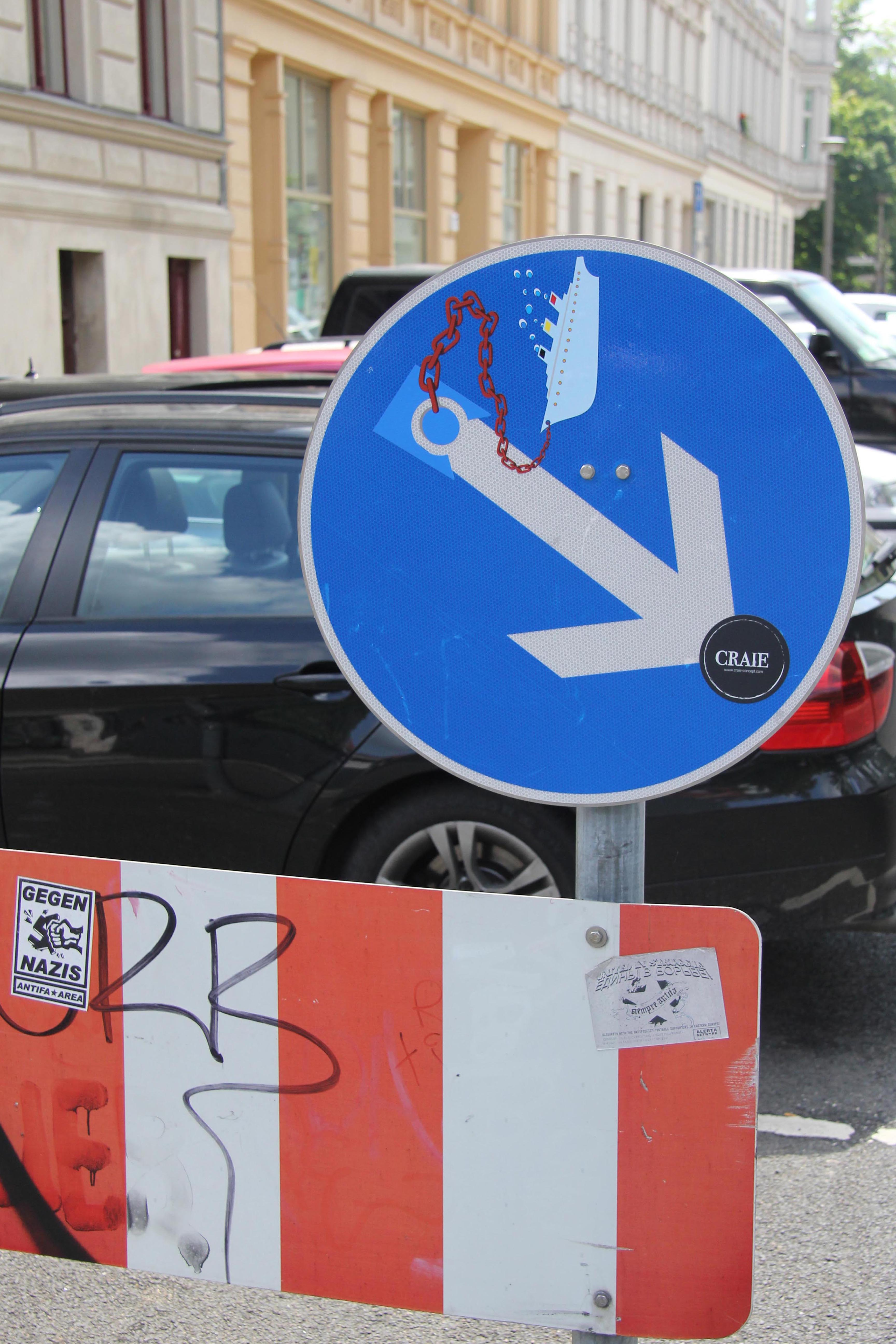 Boat - Street Art by CLET (Clet Abraham) on a Keep Right street sign in Berlin