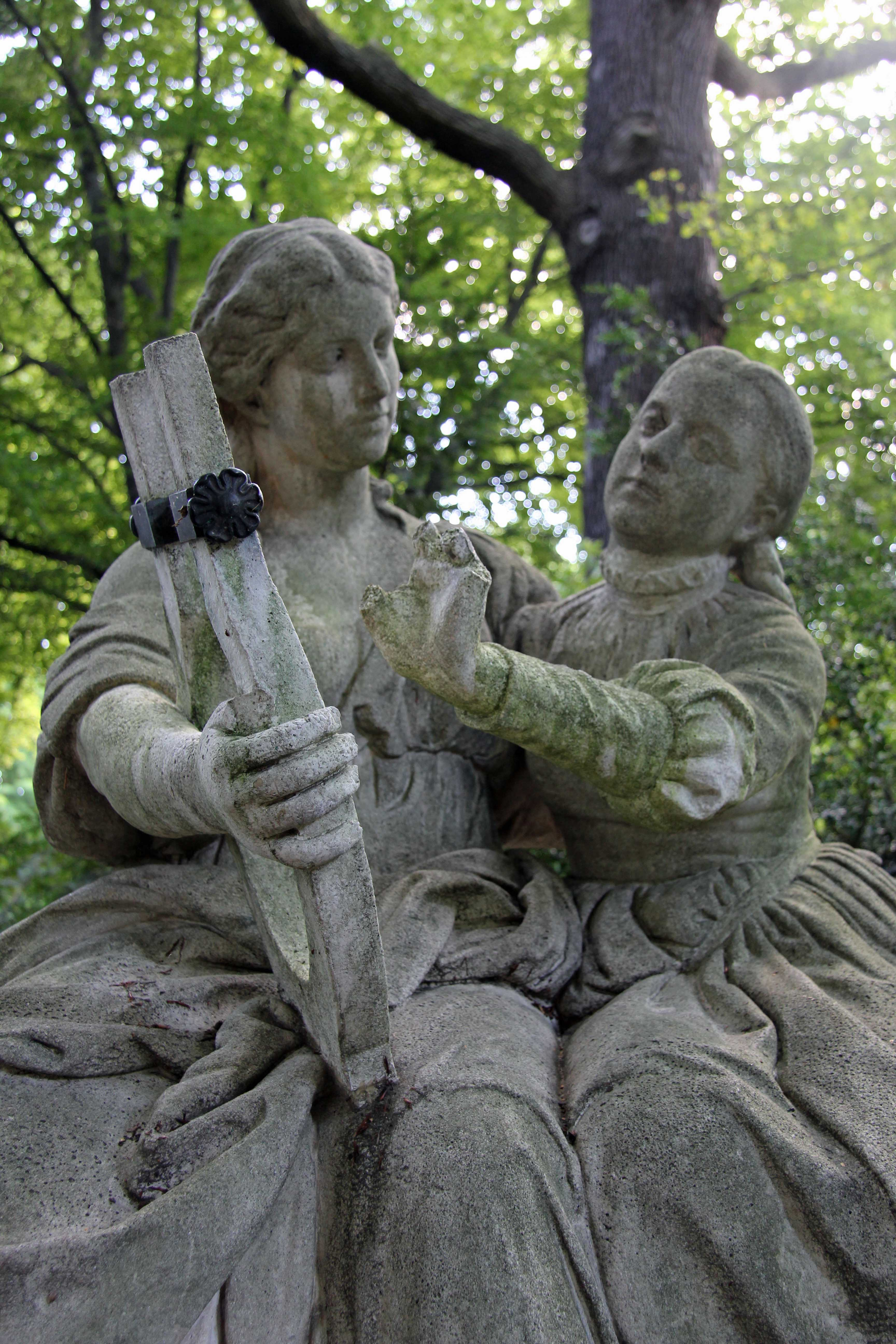 Das Deutsche Volklied, a statue in the Tiergarten in Berlin