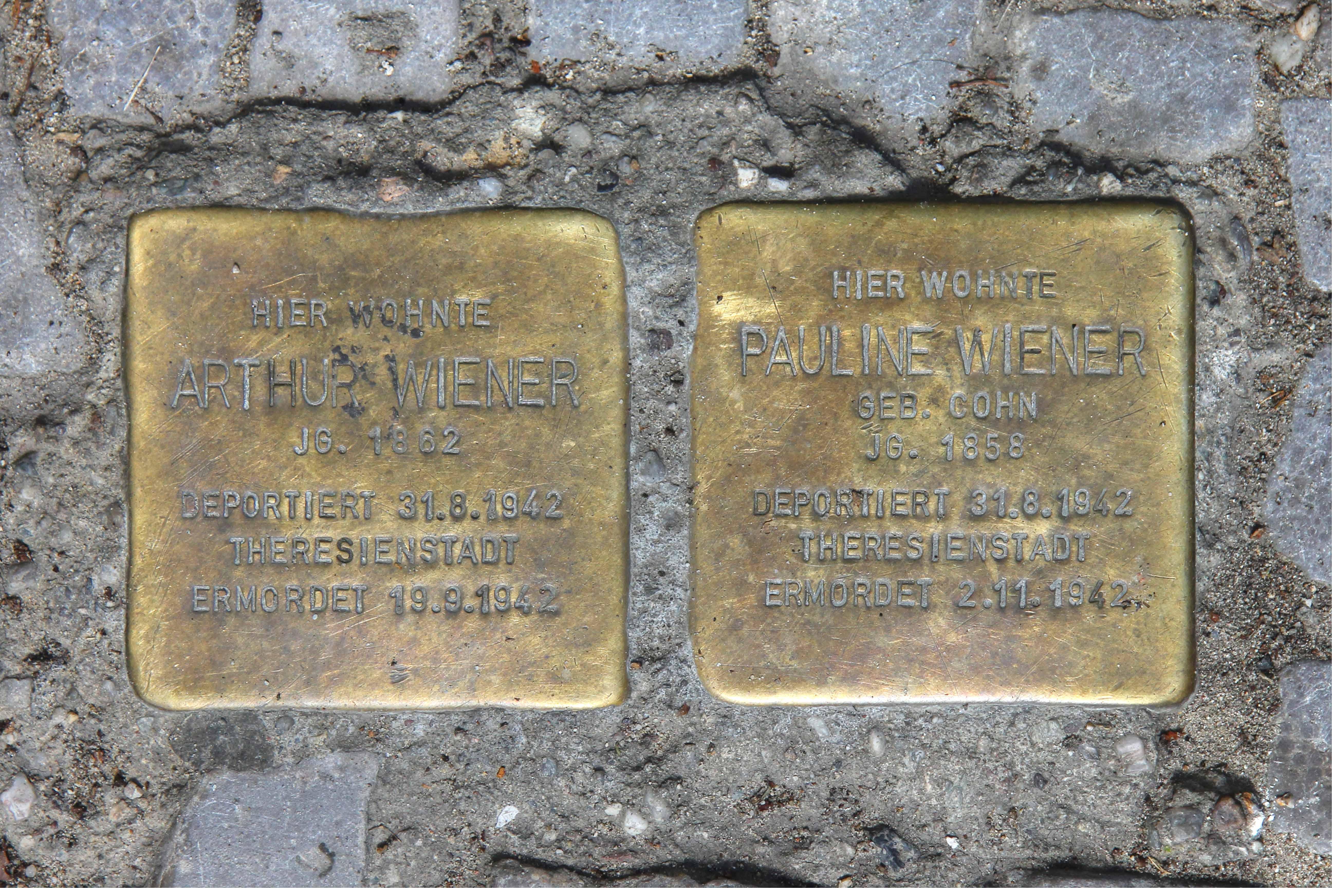 Stolpersteine 114: In memory of Arthur Wiener and Pauline Wiener (Herrfurthstrasse 5) in Berlin