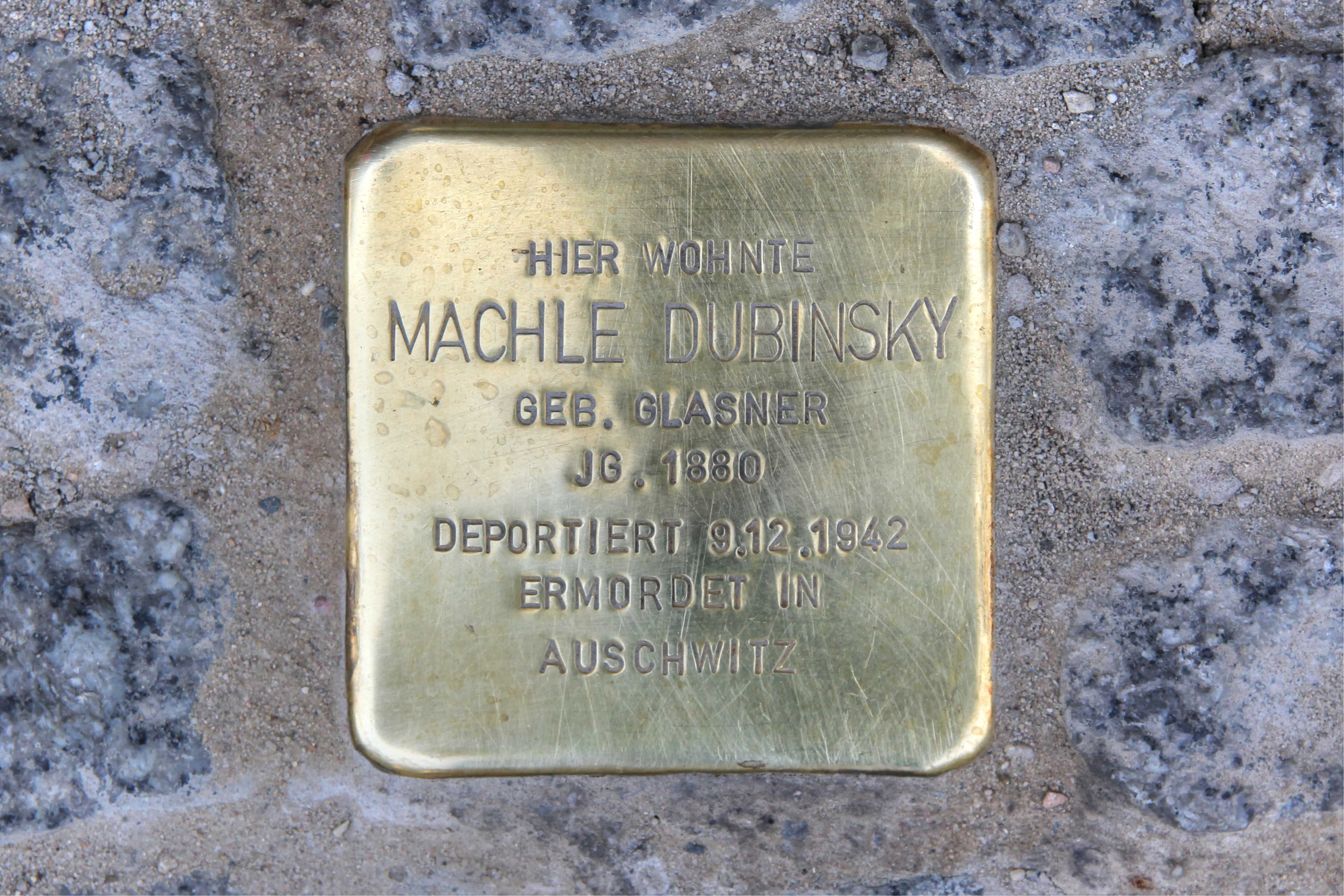 Stolpersteine 115: In memory of Machle Dubinsky (Rosenthaler Strasse 19) in Berlin