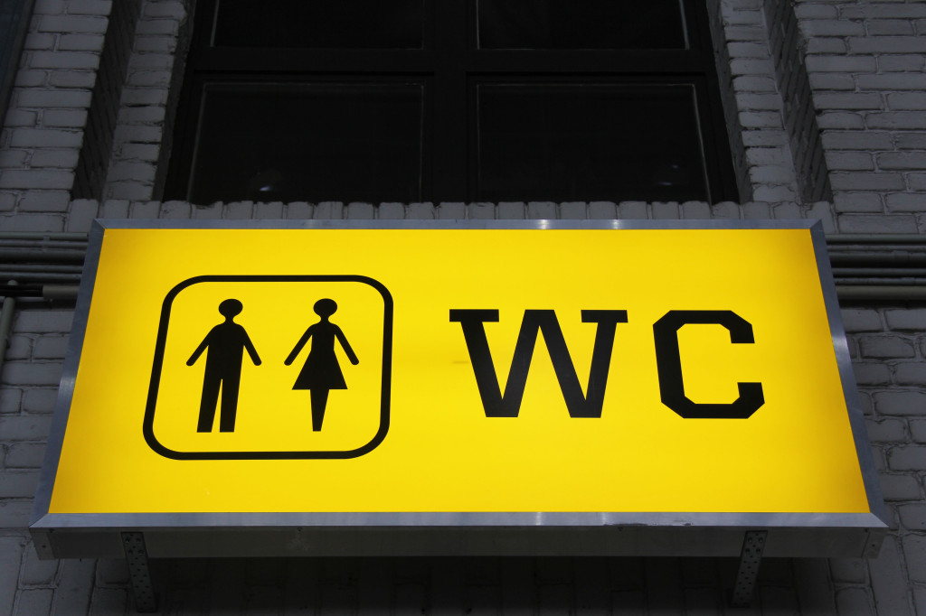 A sign for the toilets at Tempelhof Airport in Berlin