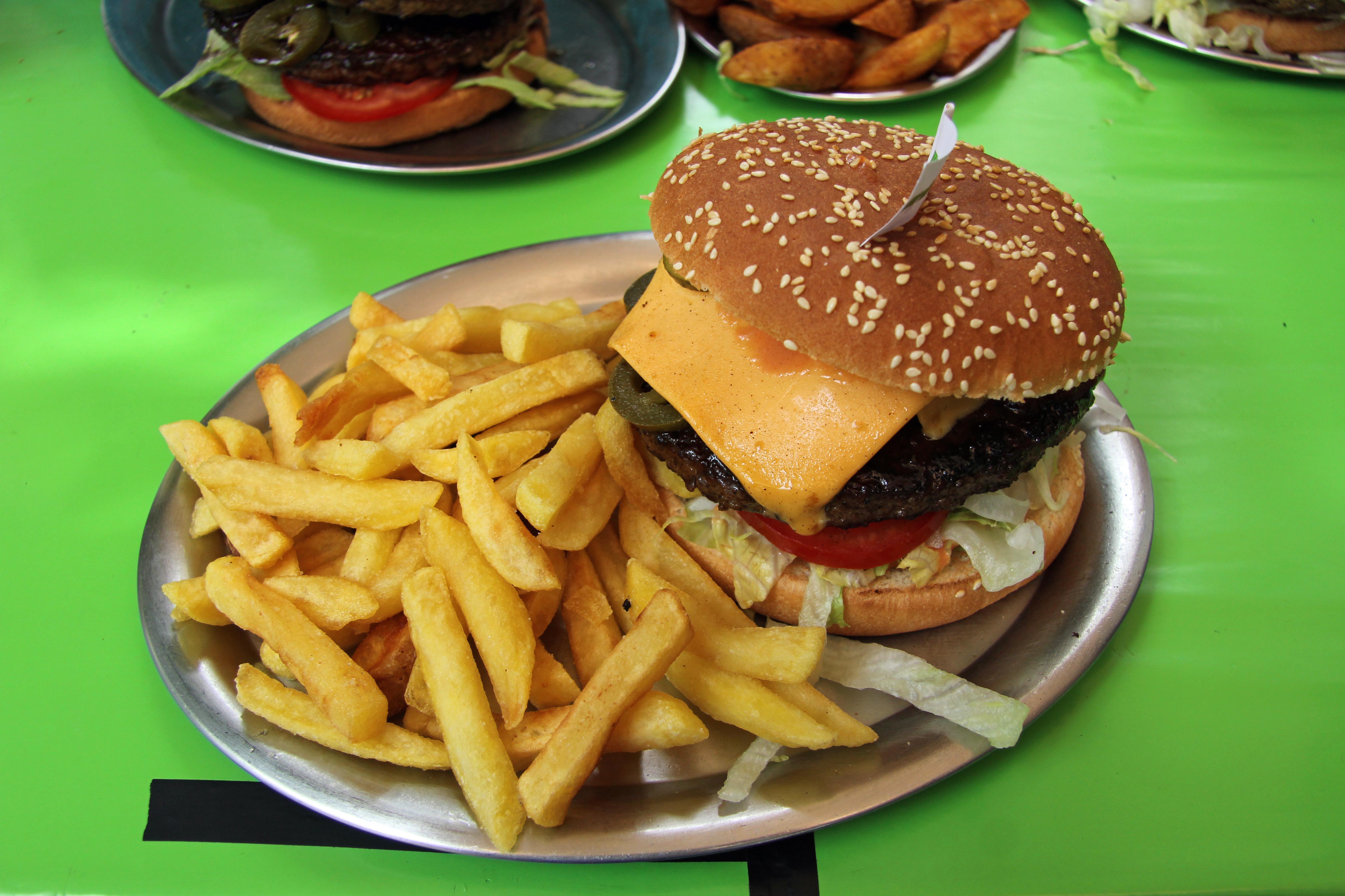 A Chilli Cheeseburger at Marienburger in Berlin