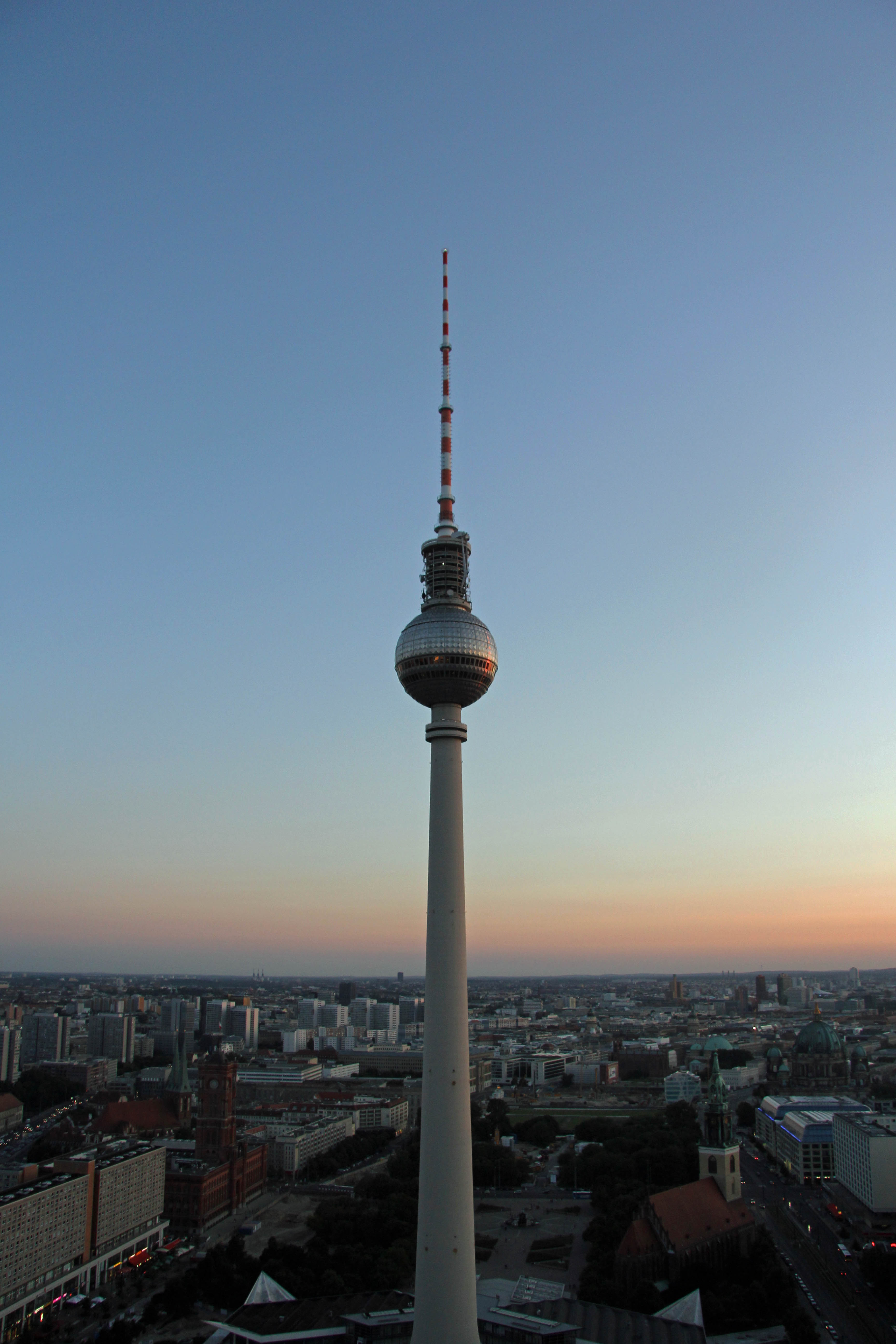 Fernsehturm at dusk: The view from the Sun Terrace of the Park Inn on Alexanderplatz