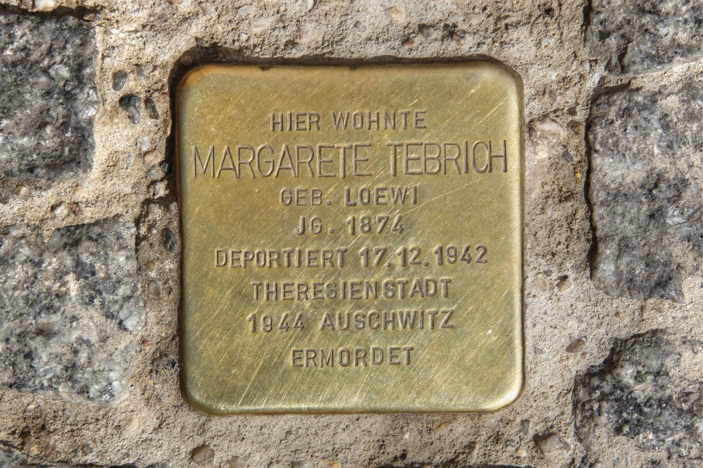 Stolpersteine 122: In memory of Margarete Tebrich (Köpenicker Strasse 73) in Berlin