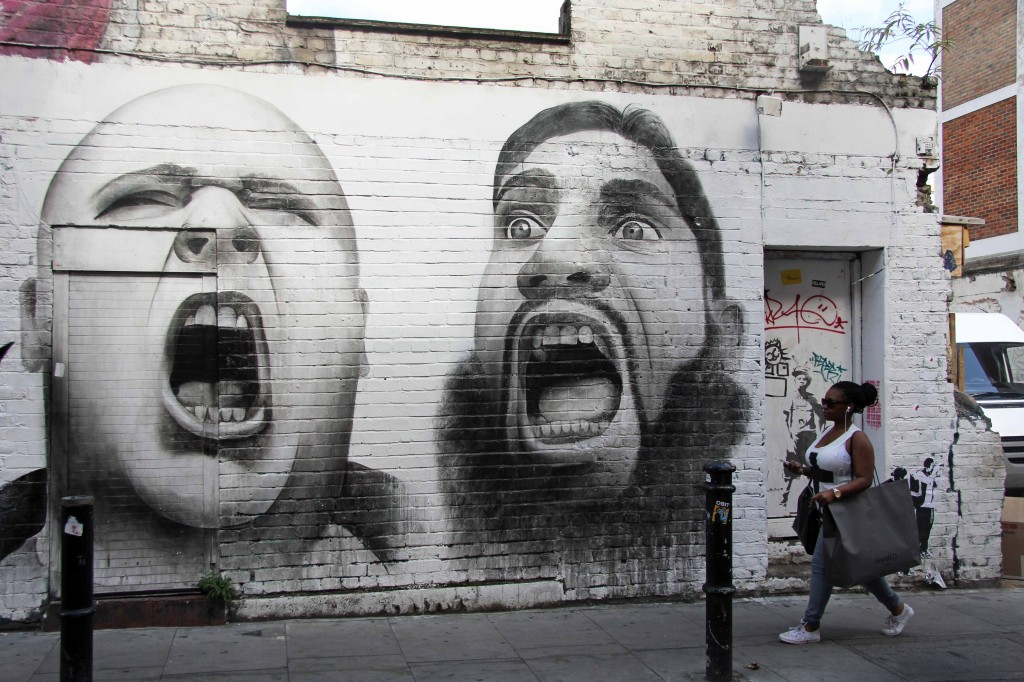 Shouting: A skinhead and an Islamist extremist - Street Art by Ben Slow in East London