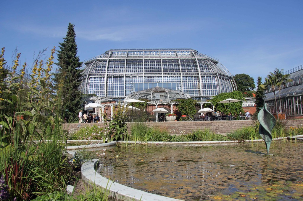 Cafe Anthurium, the main greenhouse and a pond at the Botanical Garden (Botanischer Garten) in Berlin