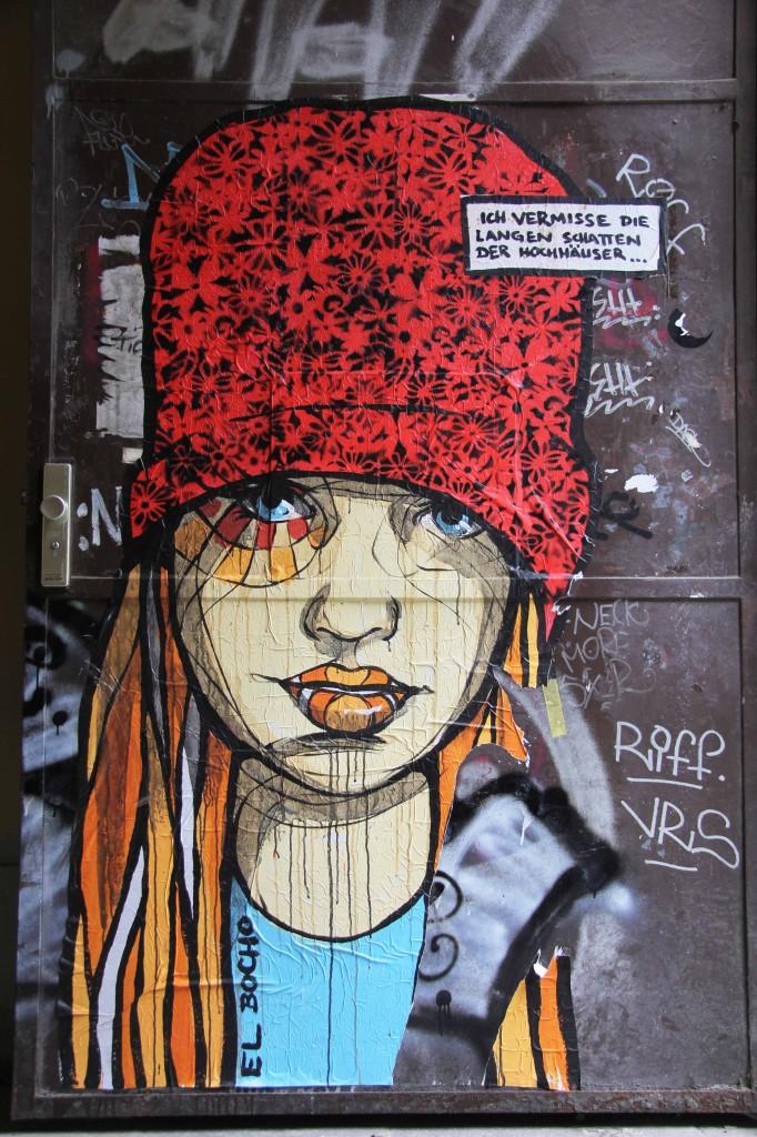 ch Vermisse Die Langen Schatten Der Hochäuser: Street Art by El Bocho in Berlin
